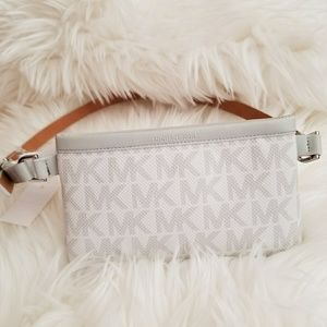 Michael Kors Signature Fanny Pack Belt S white
